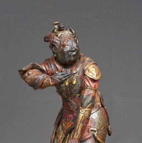 Statua lignea policroma del periodo Kamakura (1185-1333) rappresentante uno dei guardiani del Buddha Nyorai
