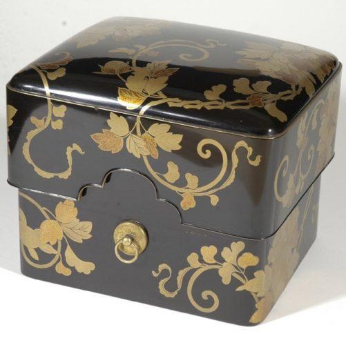 Kushibako, scatola in lacca makie per pettini